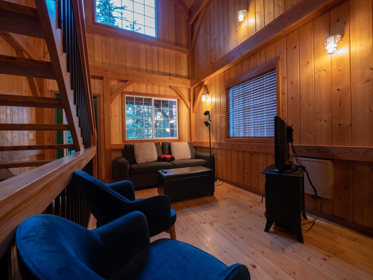Starboard - Inside Rainforest Ucluelet Accommodation